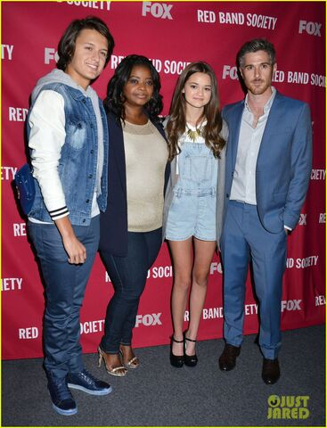 File:Octavia-spencer-joins-red-band-society-cast-at-special-l-a-screening-01.jpg