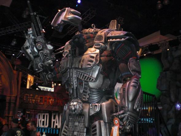 File:L.E.O Exosuit replica in E3 2010..jpg
