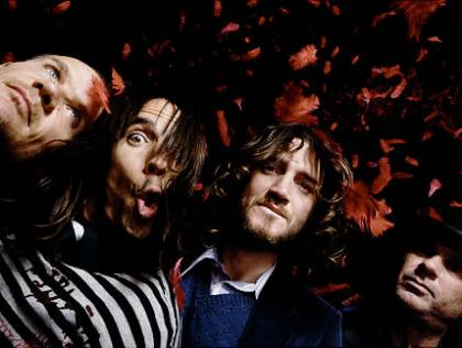 File:420x316-alg red hot chilli peppers.jpg