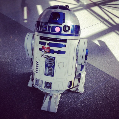 File:Nycc2014-r2d2.png