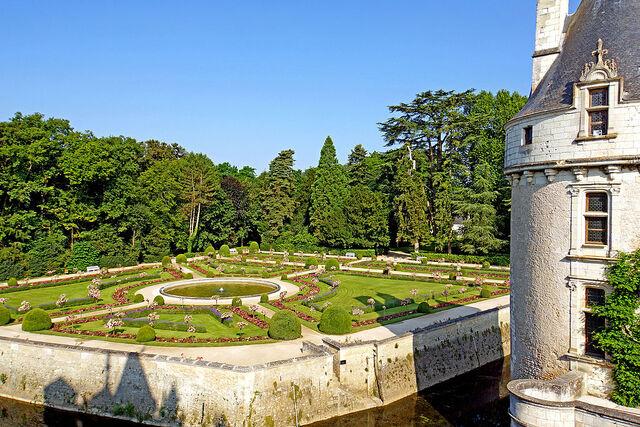 File:France-001604 - Garden of Catherine de Médicis (15291359938).jpg