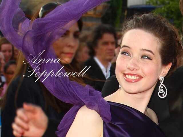 File:Anna-popplewell-mobile-wallpaper.jpg