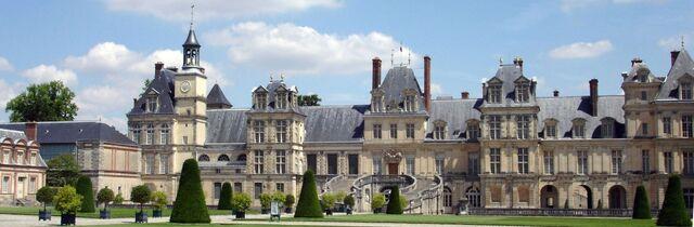 File:1920px-Chateau Fontainebleau (1).jpg