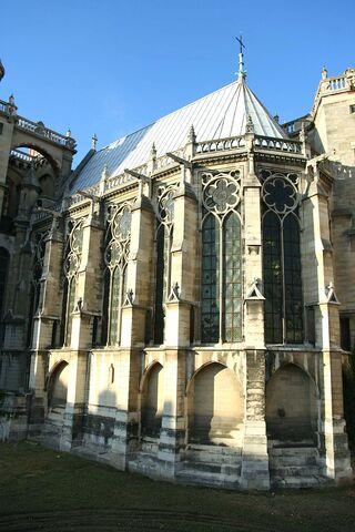 File:800px-Saint-Germain-en-Laye - Sainte-Chapelle01.jpg