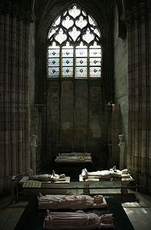 File:220px-Basilique St. Denis - Gisantds de Bertrand Du Guesclin, Charles VI, Isabeau de Baviere, Louis de Sancerre, Charles V le Sage, Jeanne de Bourbon.jpg