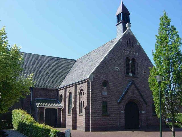 File:Donkerbroek PKN Geref exterieur01.jpg