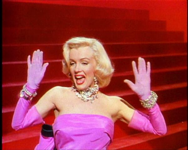 File:Gentlemen Prefer Blondes Movie Trailer Screenshot (35).jpg
