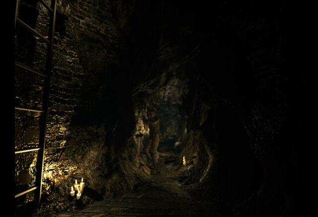 File:Lisa underground room (16).jpg
