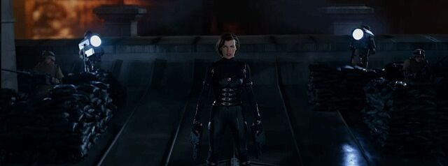 File:Resident-Evil-Retribution-Milla-Jovovich-as-Alice.jpg