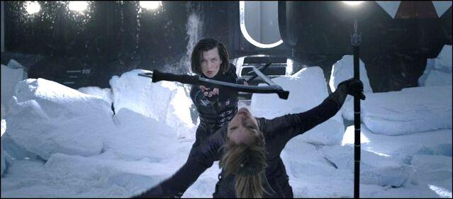 File:Alice & Jill fighting.JPG