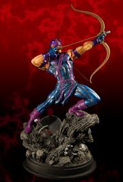 Hawkeye statue2