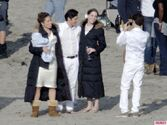 Revenges-Emily-VanCamp-Gabriel-Mann-and-Nick-Wechsler-Shoot-Seaside-White-Wedding-6-580x435