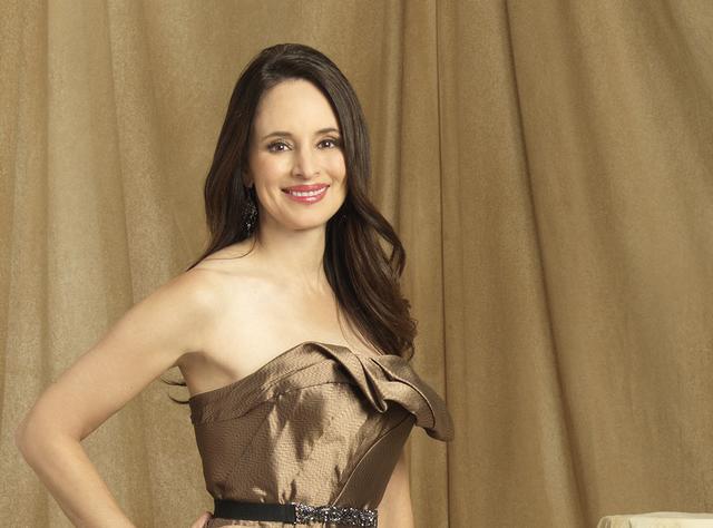 File:Victoria Profile Season 4.png