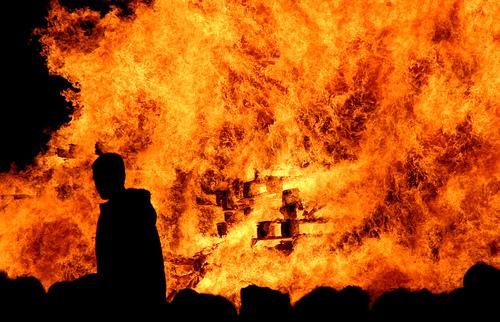 File:Lewes Bonfire Night 2007 - Wall of Flame.jpg