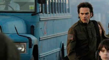 File:Billy-Burke-in-Revolution-The-Night-the-Lights-Went-Out-in-Georgia.jpg