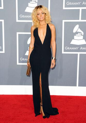 File:Rihanna 2012 grammys.jpg