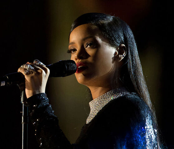 File:Rihanna concert in Washington DC (2).jpg