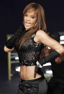 File:Rihannasos2.jpg