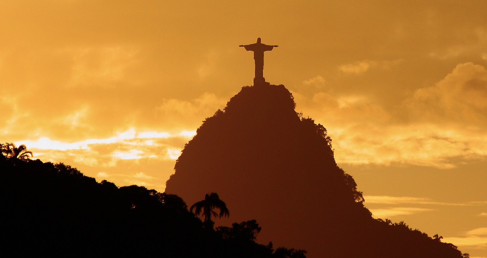 Christ-redeemer-statue-rio-de-janeiro-brazil