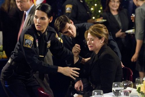 File:Rizzoli-Isles-Episode-2-01-We-Don-t-Need-Another-Hero-Promotional-Photos-rizzoli-and-isles-22864015-500-334.jpg