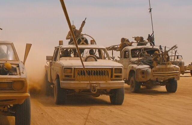 File:Claw truck movie.jpg