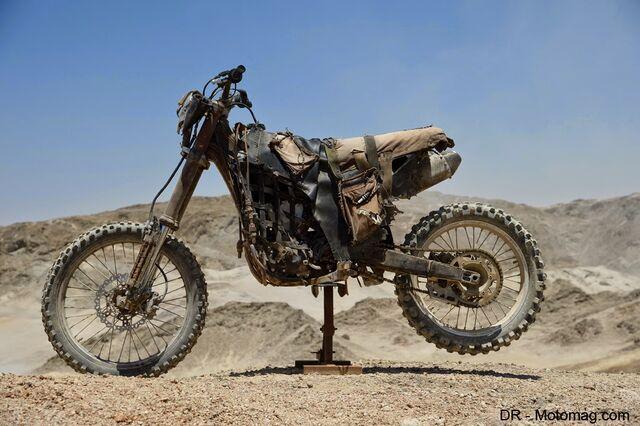 File:Mad max fury road moto frd-32636-1-.jpg