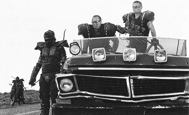 File:Snake truck 6.jpg