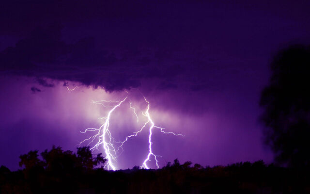 File:Sky-wallpaper-purple-storm-162875.jpg