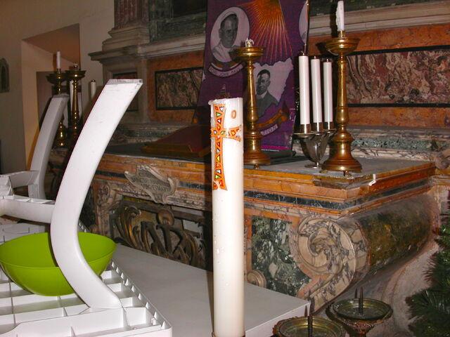 File:2011 Ambrogio, sacristy altar detail.jpg