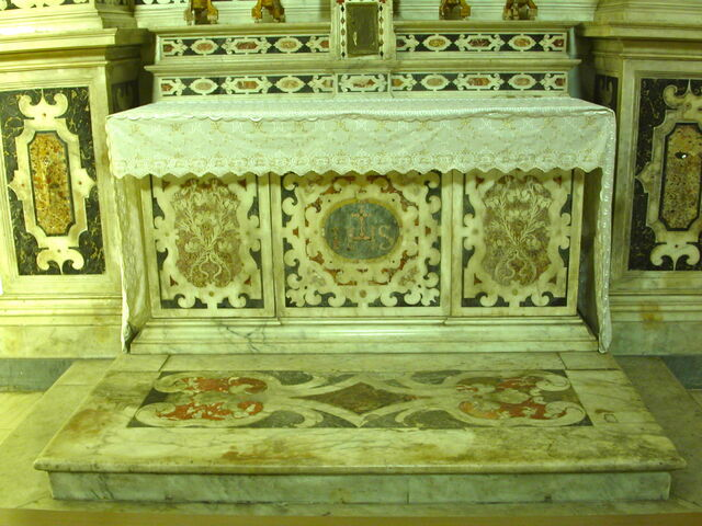 File:2011 Ambrogio, left transept altar frontal.jpg
