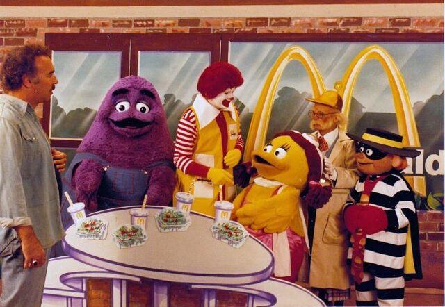 File:Ronald McDonald & Friends 26.jpeg