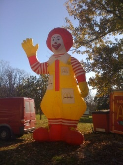 File:Ronald McDonald Balloon.jpg