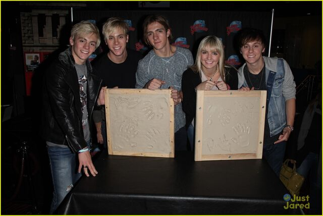 File:R5 Planet Hollywood (2).jpg