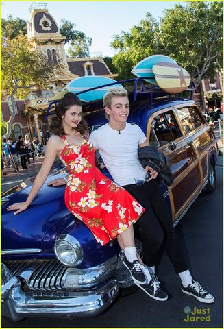 File:Ross with TBM Disney Parade (6).jpg
