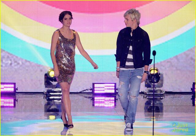 File:Teen Choice Awards 2013 Ross and Maia (2).jpg