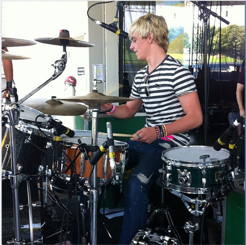 File:Ross Drums.png