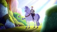 DG BTQ - daring on a white horse