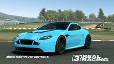 Showcase Aston Martin V12 Vantage S