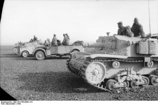 File:Bundesarchiv Bild 101I-784-0208-17A, Nordafrika, italienische Panzer.jpg