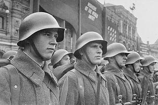 File:Soldaten rote armee.jpg