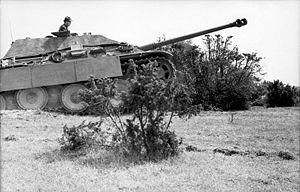 File:300px-Bundesarchiv Bild 101I-717-0017-12, Frankreich, Jagdpanther.jpg