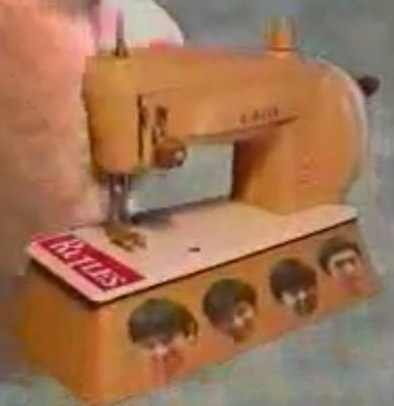 File:Rutle Sewing Machine.jpg