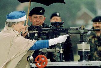 Queen eliabeth ii gun semi automatic