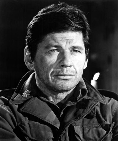 File:4-for-texas-charles-bronson-1964-everett.jpg