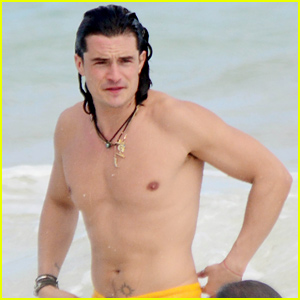 File:Orlando-bloom-shows-off-ripped-shirtless-body1.jpg
