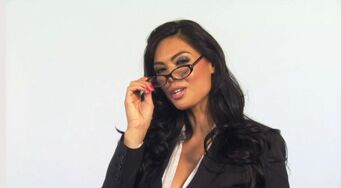 Tera Patrick with glasses in Saints Row 2 promo