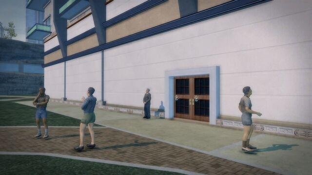 File:Heron Hotel - exterior door.jpg