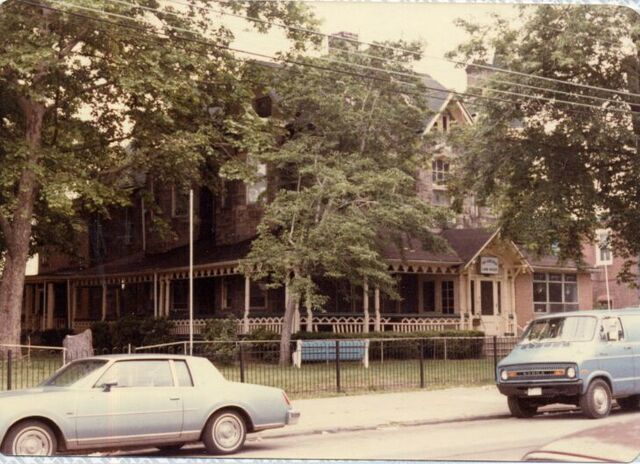 File:Woodland-ave-pic-of-lamb-house2.jpg