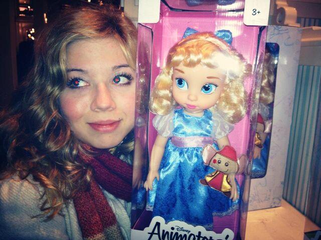 File:Jennette with Disney doll.jpg