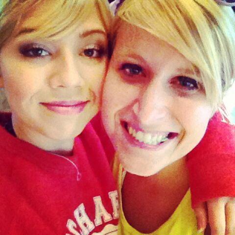 File:Jennette and Allison July 1, 2013.jpg